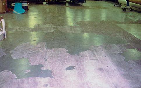 环氧地坪老化开裂怎么办?环氧地坪破损修补办法?